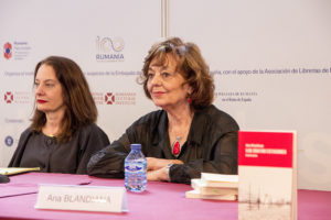 Ana Blandiana en la Feria del Libro de Madrid