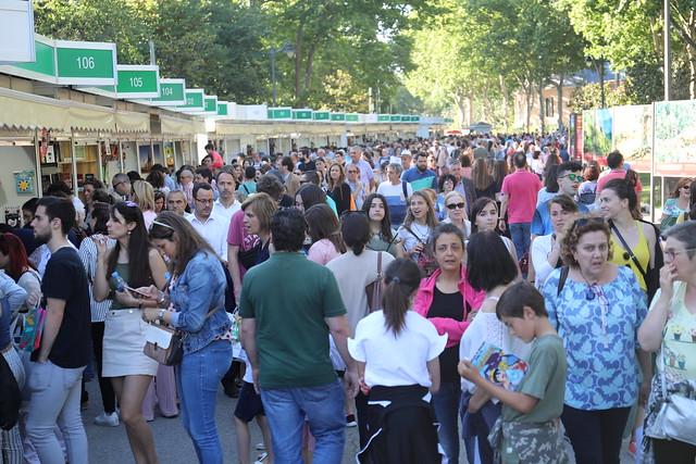Afluencia de público Feria del Libro de Madrid