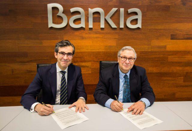 Firma de patrocinio en sede de Bankia